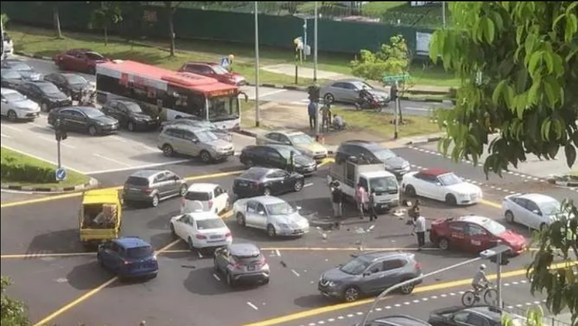 71-year-old woman taken to hospital after four-vehicle accident in Clementi